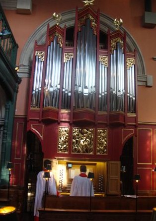 Image: Bedford Park organ case and console