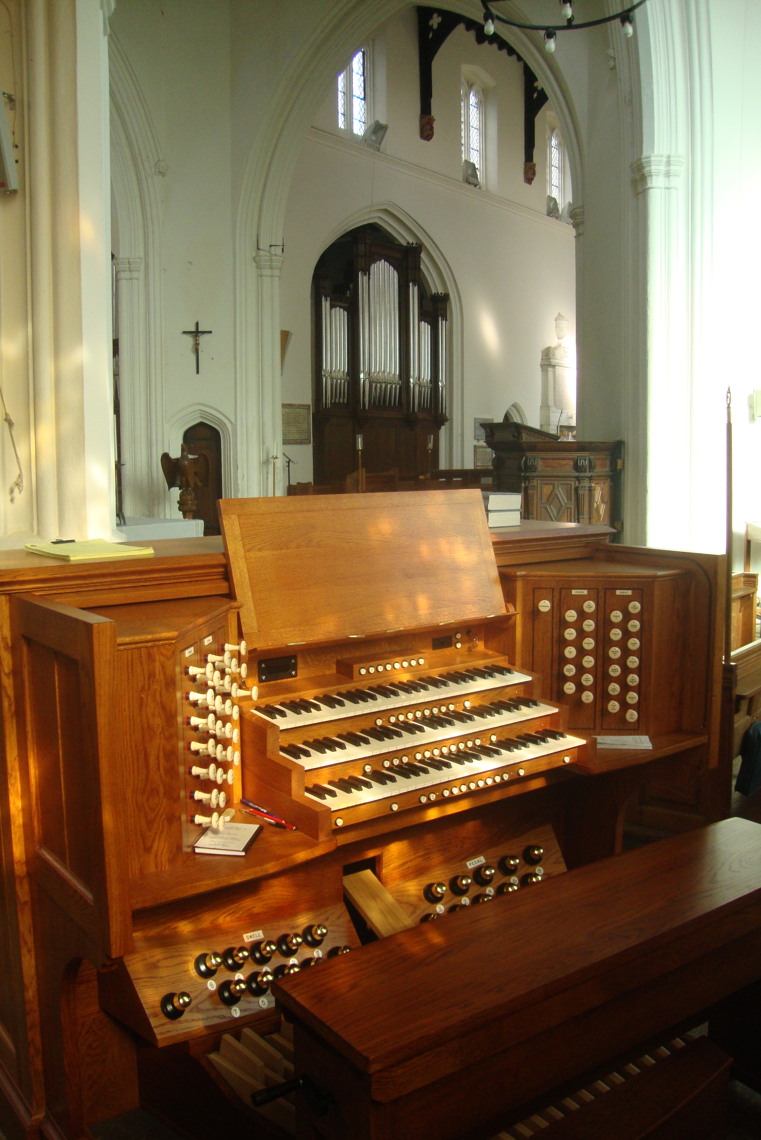 Image: The console at St Mary's, Ware